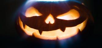 Halloween-de pompoenen zijn symbolen van Halloween-nacht Royalty-vrije Stock Foto's