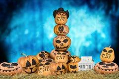 halloween dynie przerażające Halloweenowy projekt z baniami obrazy royalty free