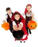 Halloween: Dzieciaki Przygotowywający dla cukierku Zdjęcie Stock