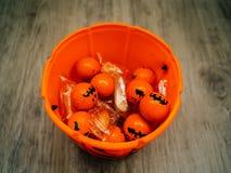 Halloween en decoratieconcept - Oranje gevulde pompoen royalty-vrije stock afbeelding