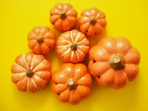 Halloween-Fahnendekorations-Kürbisrahmen lizenzfreies stockbild