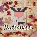 Halloween-Feiertags-Hintergrund Text und Umschlag Ansicht von oben genanntem mit Kopienraum Lizenzfreies Stockbild