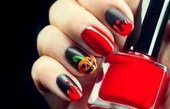 Halloween-Feiertagsmaniküre-Designideen Lizenzfreie Stockfotos