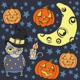 Halloween fijó con el búho, la luna, la vela, las estrellas y la calabaza Fotografía de archivo