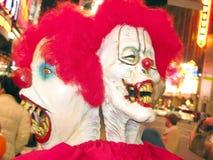 Halloween-Gesichter und Kostüme stockfotos