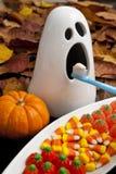 Halloween-gespenstisches Zahn-Auftragen stockbild