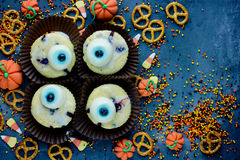 Halloween-gezonde snoepjes en traktaties als achtergrond voor jonge geitjes, grappig o Royalty-vrije Stock Foto