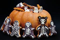 Halloween Gingerbreads&Pumpkin Image stock
