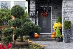 Halloween-Haustür stockfotos