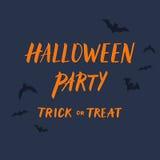 Halloween-het malplaatje van de partijuitnodiging met vliegend knuppels en handdr. royalty-vrije illustratie