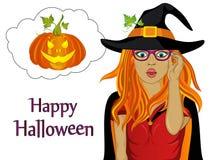 Halloween Het meisje in het kostuum en de heksen` s hoed is zeer verrast Stock Foto's