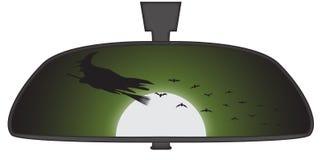 Halloween-Hexe im Rückspiegel Stockfotos