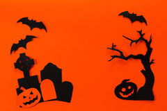 Halloween holiday background with headstone, tree, pumpkin and b Royalty Free Stock Photos