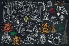 Halloween-Ikonen eingestellt mit Text Kritzelt flüchtige Tafel Lizenzfreie Stockfotografie