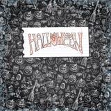 Halloween-Ikonenmusterhintergrund Kritzelt flüchtige Tafel Stockbild