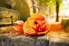 Halloween-Kürbis draußen Stockbild