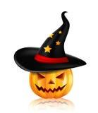 Halloween-Kürbis im schwarzen Hut Lizenzfreies Stockfoto
