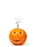 Halloween-Kürbis mit Rauche Stockfoto