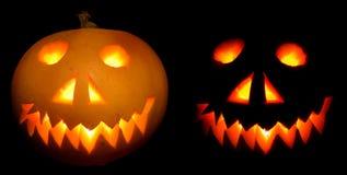 Halloween-Kürbise in der Nacht Stockfoto