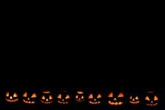 Halloween-Kürbisrahmen unten gelegen stockbilder