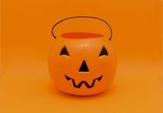 Halloween-Kürbissüßigkeitseimer für die Trick-oder-Behandlung stockfotos