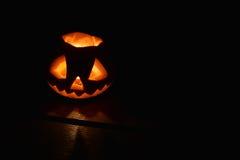 Halloween-Kürbissatz lokalisiert auf einem Schwarzen lizenzfreies stockbild