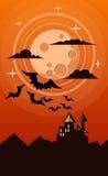 Halloween-kaart met kasteel, maan en verscheidene knuppels Royalty-vrije Stock Afbeelding