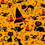 Halloween-Karikatur nahtlos mit Katzen und Krähen Stockbild