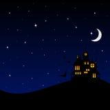 Halloween-kasteel bij nacht Stock Afbeeldingen