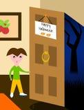 Halloween - Kind erschrocken an der Tür Lizenzfreie Stockfotografie