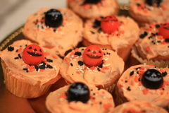 Halloween-kleine Kuchen Stockfotos