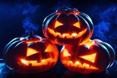 Halloween-Kürbiskopf-Steckfassungslaterne Stockfotos