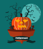 Halloween-Land Nachthintergrund mit grinsendem Kürbis Lizenzfreies Stockfoto