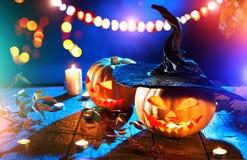 Halloween-lantaarn van de pompoen de hoofdhefboom met het branden van kaarsen Royalty-vrije Stock Foto's