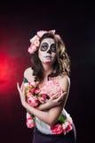 Halloween-make-upvrouw van Santa Muerte stock afbeelding