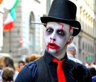 Halloween-Monster auf den Straßen von Italien Stockbild