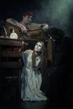 halloween Moskwa, CZERWIEC – 22, 2013 – Wieki średni Egzekucja czarownicy obrazy royalty free