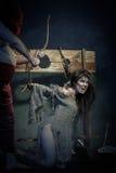 halloween Moskwa, CZERWIEC – 22, 2013 – Wieki średni Egzekucja zła czarownica fotografia royalty free