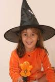halloween nätt häxa arkivbilder