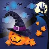 Halloween-nacht met grote pompoen en heksen` s hoed Stock Afbeeldingen