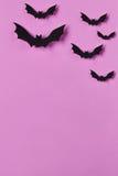 Halloween od tła blasku księżyca uwagi Papercut uderza latanie Odgórny widok z kopii przestrzenią Zdjęcie Royalty Free