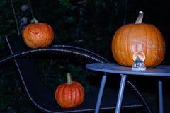Halloween od tła blasku księżyca uwagi Rozjarzone banie w blasku księżyca nignt fotografia stock
