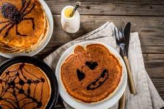 Halloween-pannekoeken voor kinderen Stock Afbeeldingen