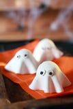 Halloween-Parteidekorationen vom Teig Stockfoto