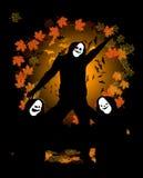 Halloween-Party, tanzende Leute im Kostüm Lizenzfreies Stockbild