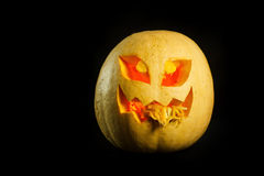Halloween - Pompoen hefboom-o-lantaarn op zwarte achtergrond Stock Fotografie
