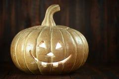 Halloween-Pompoen op de Houten Rustieke Achtergrond van Grunge Royalty-vrije Stock Afbeeldingen
