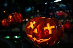 Halloween-Pompoendecoratie in de tuin voor Halloween royalty-vrije stock foto