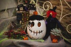 Halloween-pompoensamenstelling met decor Royalty-vrije Stock Foto's