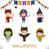 Halloween przyjęcie żartuje charakteru - set Dzieci w kolorowi Halloweenowi kostiumy diabły, pirat, krócica, astrolog, personel,  royalty ilustracja